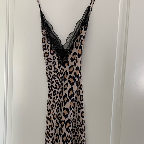 Victoria's Secret Other - Leopard print negligee